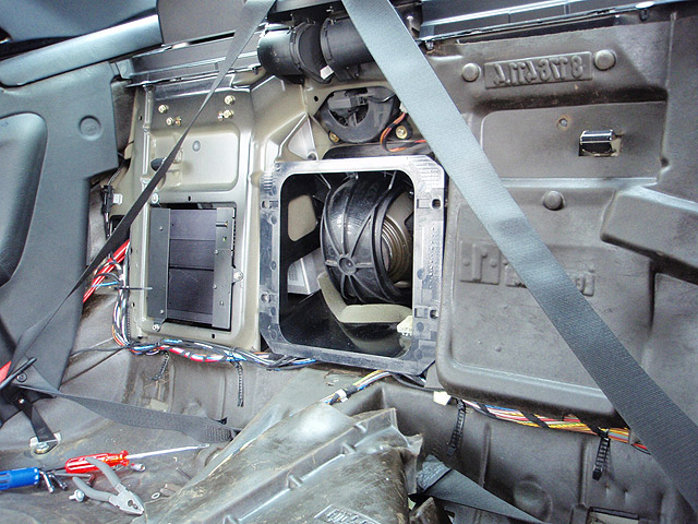 12 what fits this void on e36 cabrio? BMW Stereo Wiring Diagram at virtualis.co